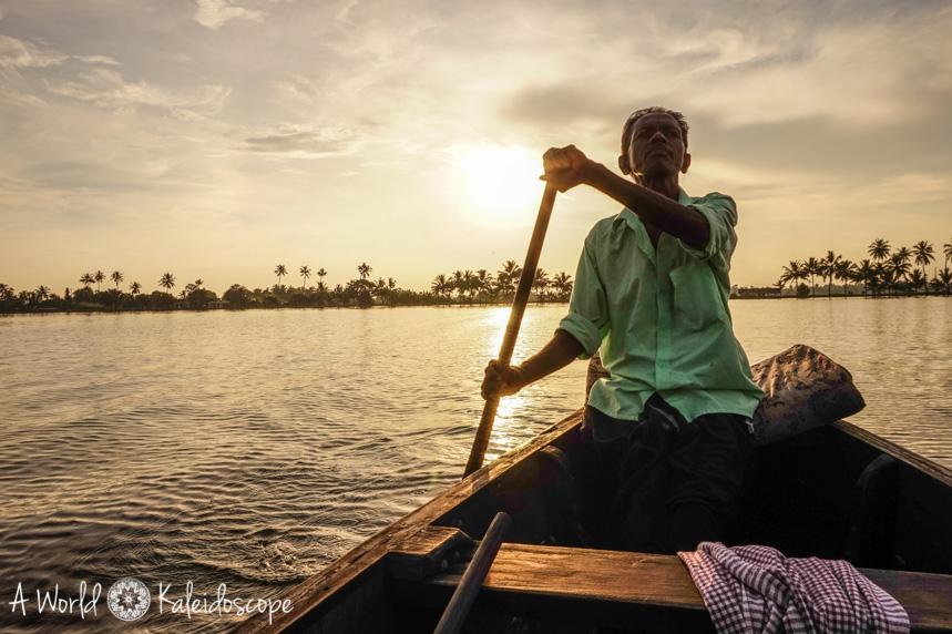 allein-als-frau-indien-boat-backwaters