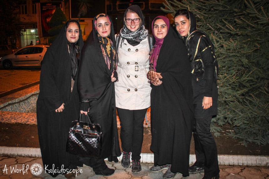 allein-reisen-iran-madchen-tschador