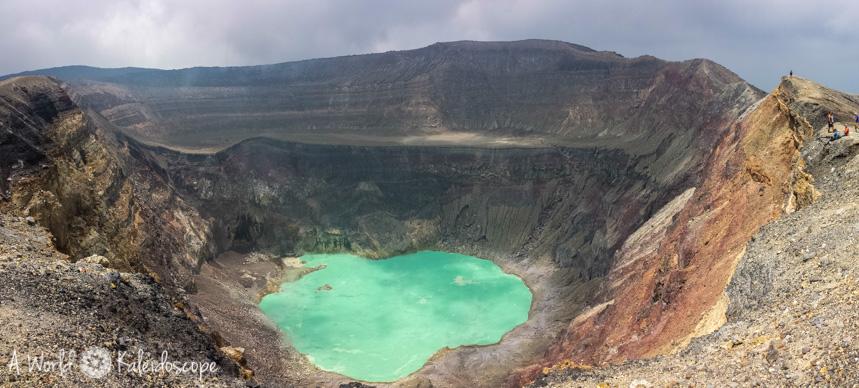 backpacking-in-el-salvador-volcan-de-santa-ana