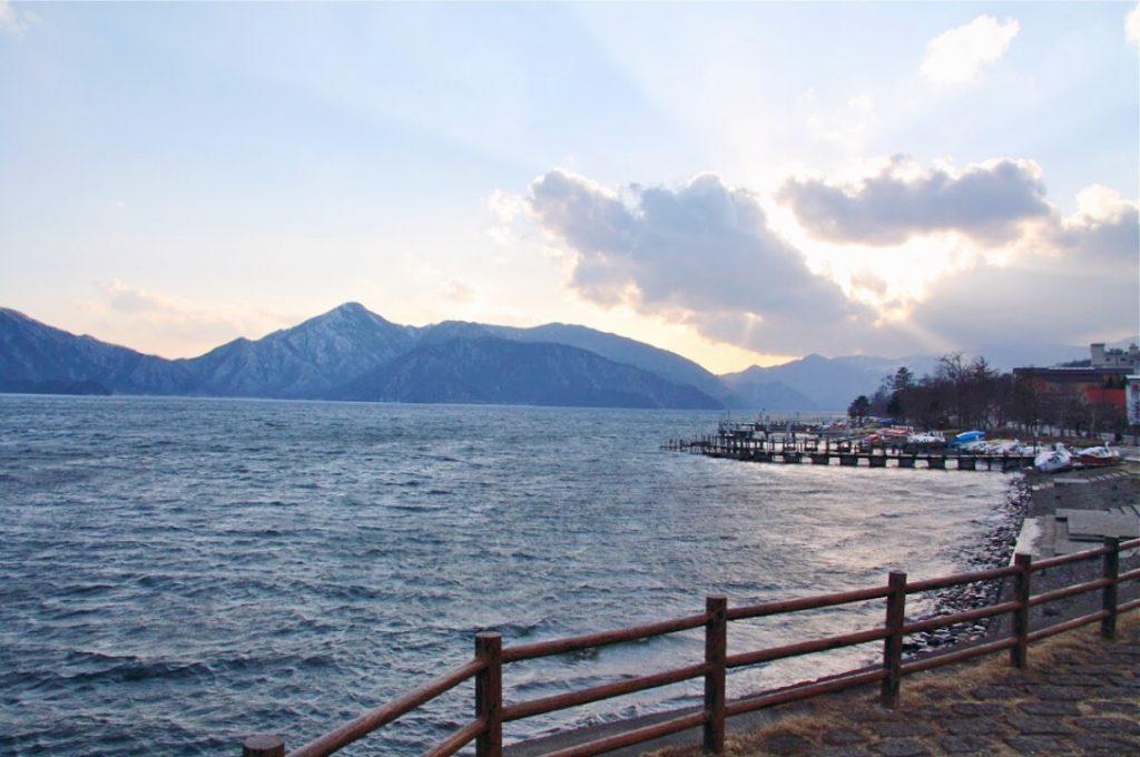 backpacking-japan-kirschblute-reiseroute-chuzenji-see