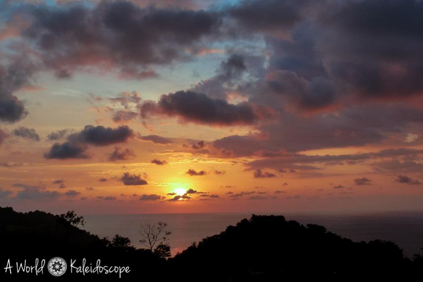 backpacking-rundreise-costa-rica-nicaragua-panama-sunset-quepos