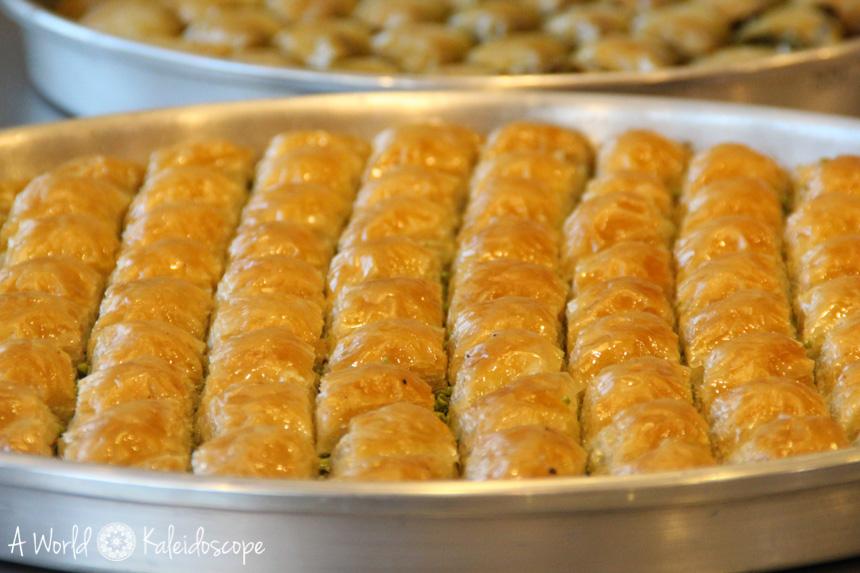 baklava-gaziantep-tray-turkey