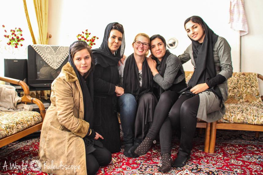 couchsurfing-im-iran-girls