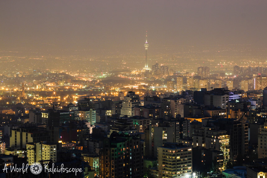 ski-fahren-im-iran-night-cityline